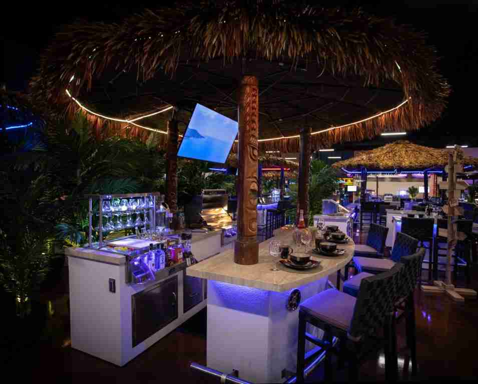 Paradise Grills Tiki Hut Outdoor Kitchens in the Woodlands