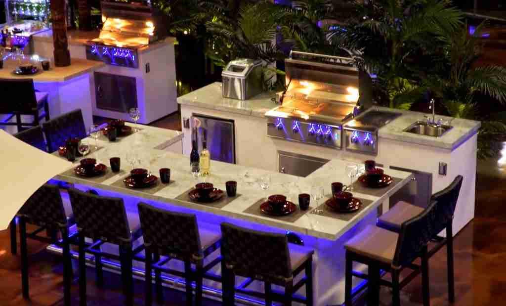 Outdoor Kitchens in Naples SHowroom