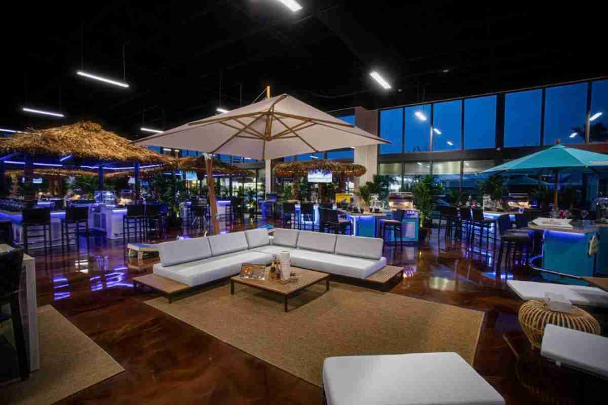 Outdoor furniture in the Jacksonville Paradise grills showroom